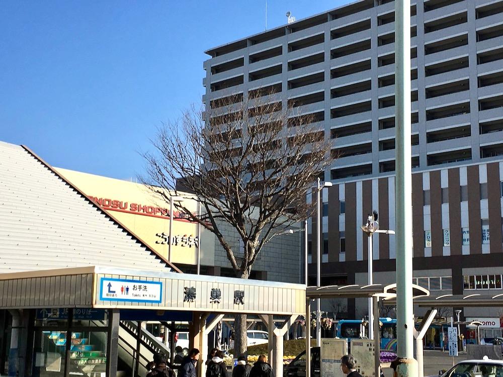 JR鴻巣駅前とエルミこうのすの「こうのすシネマ」